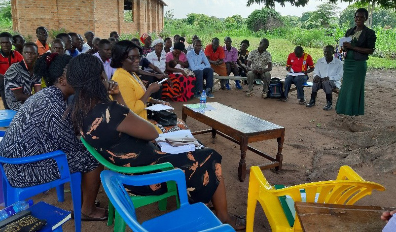 Regional meetings give teams an opportunity to share knowledge and information and adapt for their own local conditions. Photo Credit: Florence Kiyimba, National Agricultural Research Organisation